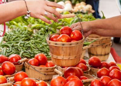 Farmers-Market-Sale-tomatoes